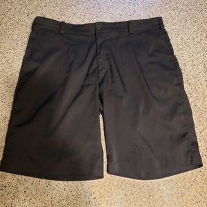 Nike SZ 36 black golf shorts